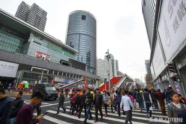 深圳,果真是一座躺在便利店上的城市么?